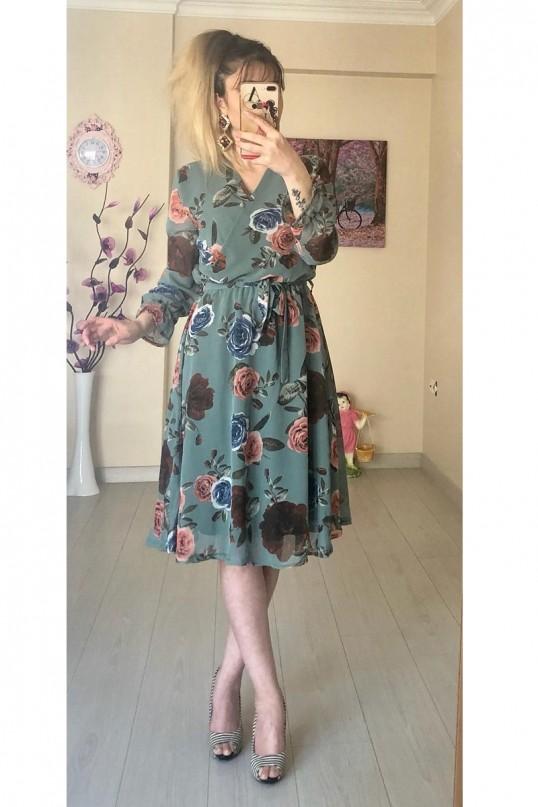 Kısa Gül Detaylı Şifon Elbise