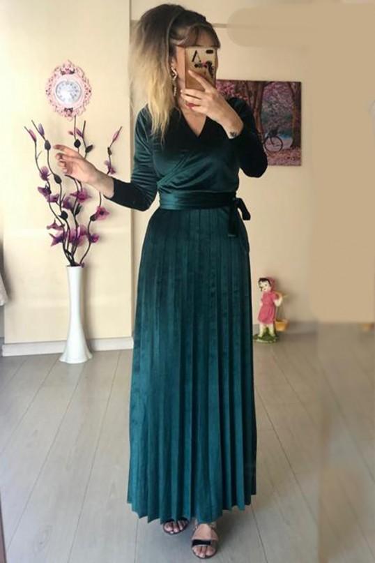 Uzun Pileli Kadife Elbise zümrüt yeşili - Büyük beden