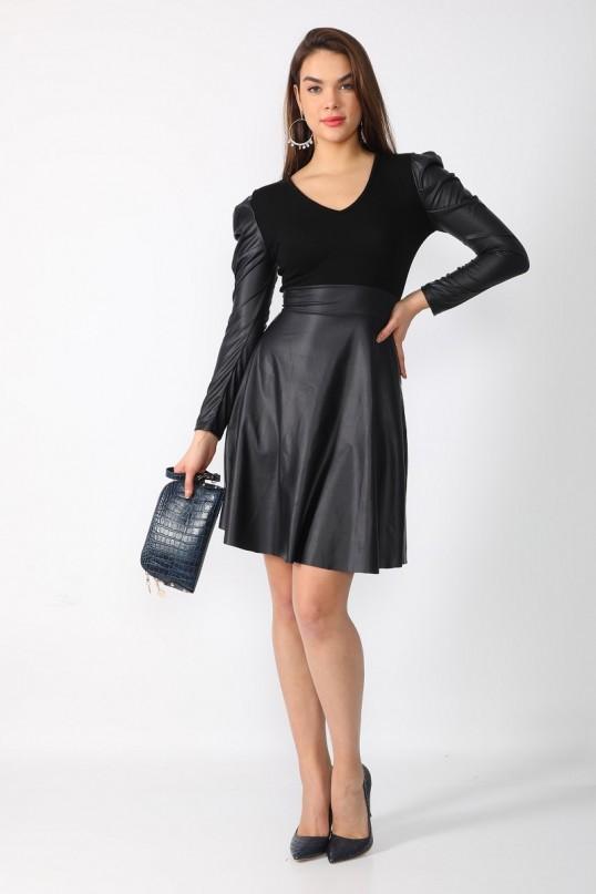 Siyah Omuz Volanlı Kısa Deri Elbise