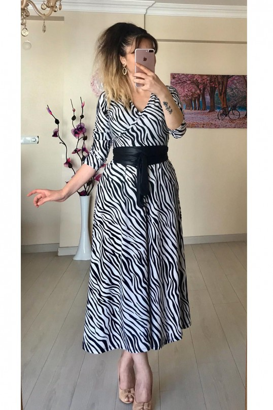 Kruvaze Yaka Zebra Desenli Elbise