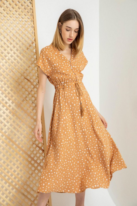 Sırt Detaylı Khve köpüğü Kalpli Elbise