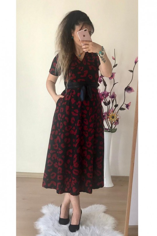 Kısa Kol Kırmızı Dalmaçya Desen Elbise