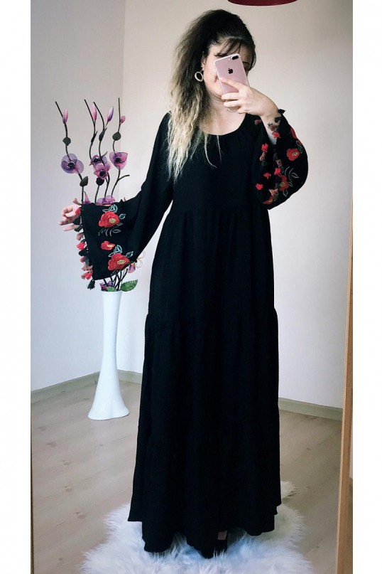Kol Nakış işlemeli Salaş Elbise Siyah